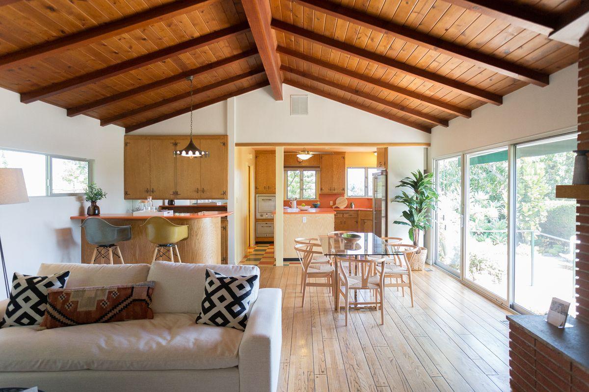 Tutti i vantaggi di un tetto in legno nelle case prefabbricate